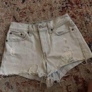 Light Wash Levi's Denim Shorts